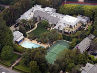 Madonna-Beverly-Hills-luxury-home-thumb